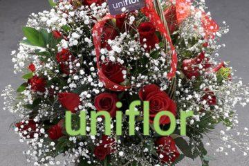 Arranjo de rosas vermelhas para presentear uma mãe amada